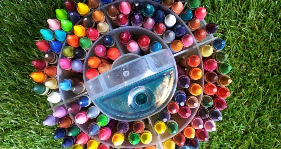 crayon-215873_1280